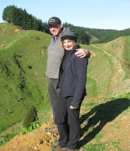 Bill and Leanne visiting a typical New Zealand hill country property (Alistair Cox, Perendale breeder)